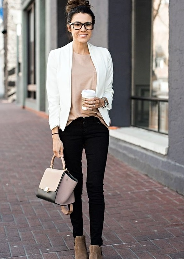 04-black-jeans-a-blush-top-a-white-blazer-and-tan-suede-boots