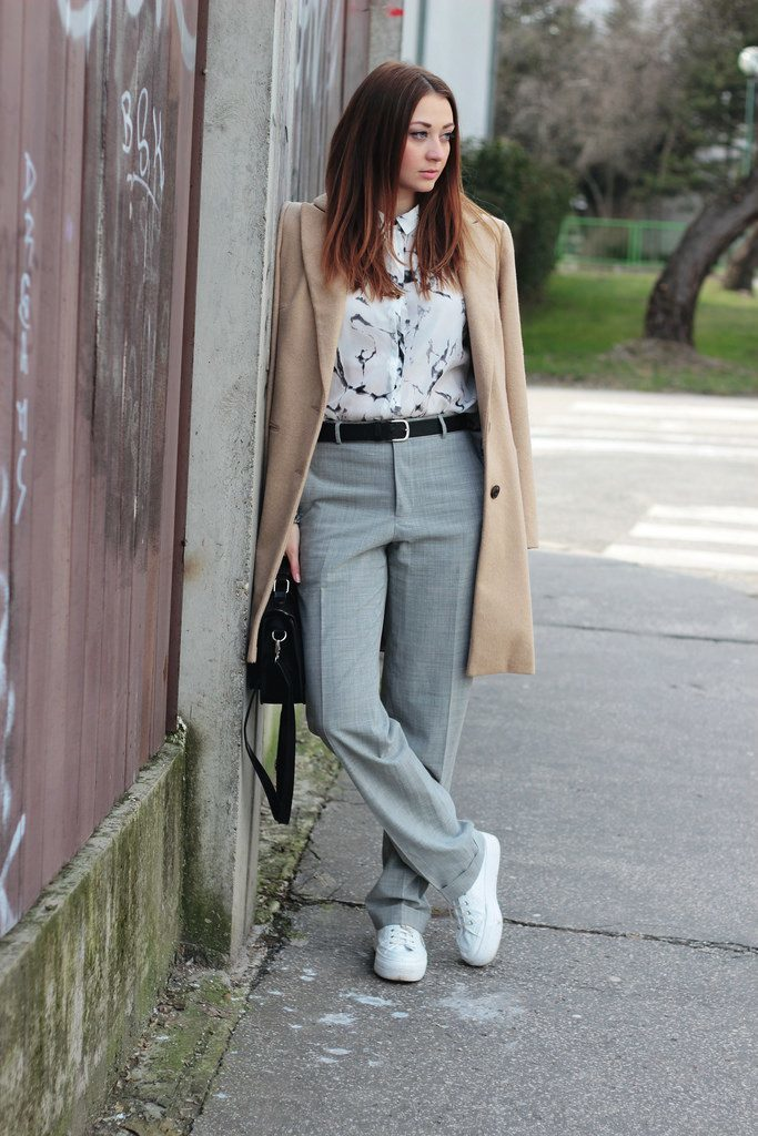14-grey-pants-a-printed-shirt-white-sneakers-and-a-camel-coat