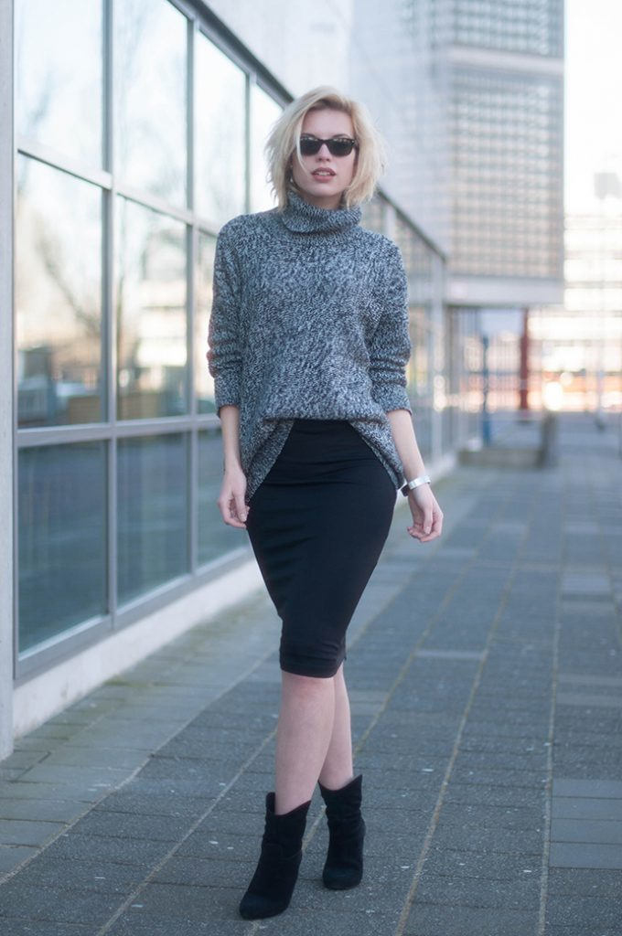 24-black-pencil-skirt-a-grey-turtleneck-sweater-and-suede-boots