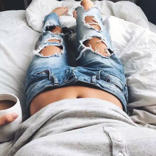 200+ Cute Ripped Jeans Outfits For Winter