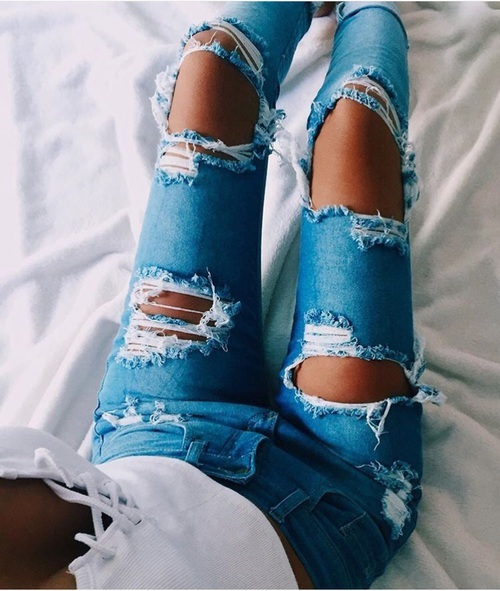 200+ Cute Ripped Jeans Outfits For Winter - MCO