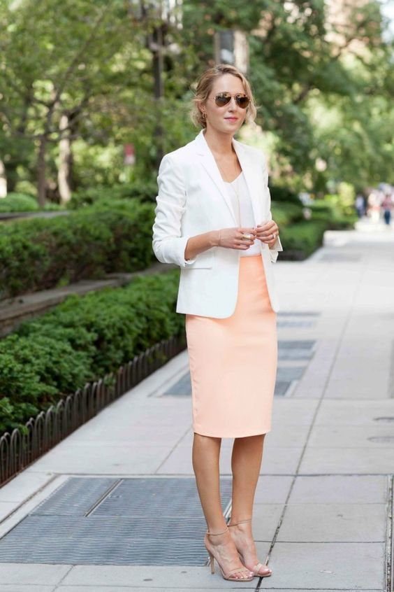 30+ Cute and Classy Summer Work Outfits for Business Women ...