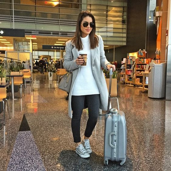 30+ Comfortable And Stylish Outfits For Long Haul Flights